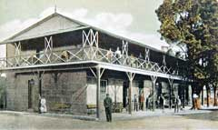 Robertson's Bedford Hotel, Eastern Cape, pictured on a postcard from c.1905.